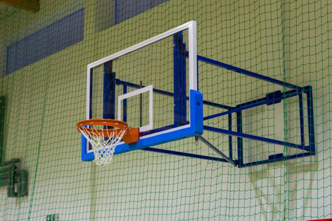 PROFESSIONAL 105 x 180 cm basketball back-board - tempered glass